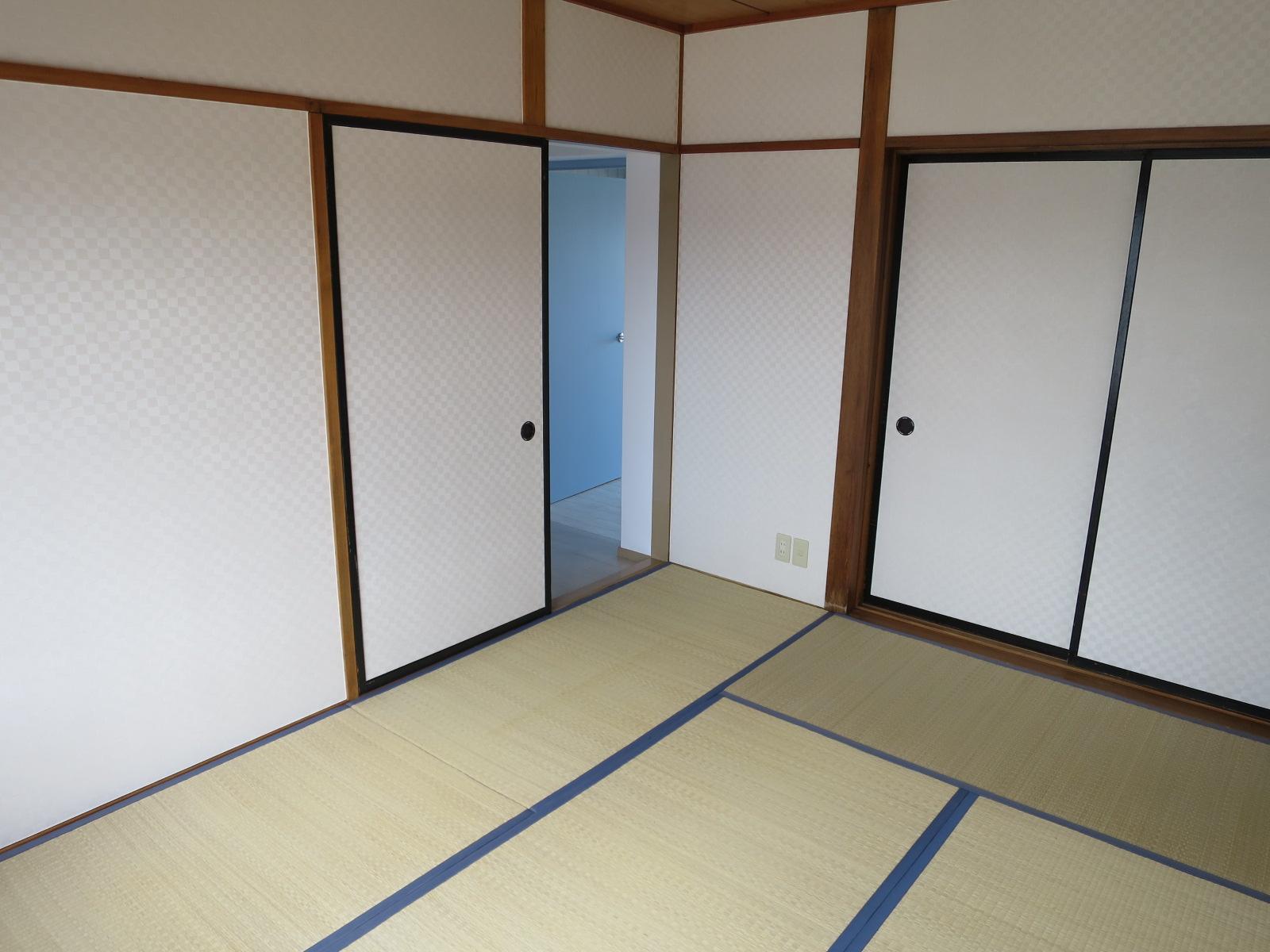 和室の壁紙はシンプルモダンなデザインにリフォームしました。和の風情を演出した空間をお楽しみ下さい♪