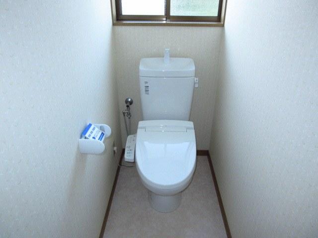 トイレ:リフォーム済!洋式水洗になっています!ウォシュレットも付きましたので安心ですね♪新しいトイレになりました。